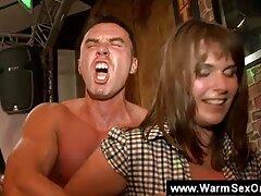 دو شخص لعنتی تقدیر عوضی در دهان او را عکسهای متحرک حشری لعنتی
