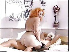 بلوند بوست نوازش زن سبک و جلف او را نوازش عکس کونخارجی کرد